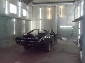 automaalaamo kuortane musta henkilöauto raskas kalusto
